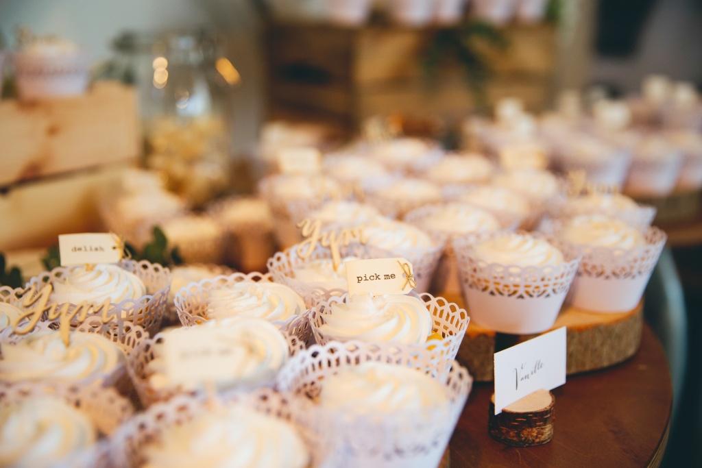 Pick me cupcakes €3,50  Zonder prikker € 2,75